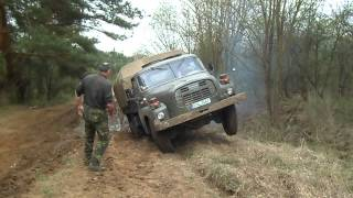 getlinkyoutube.com-Tatra 148 si poradí se vším