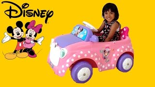 getlinkyoutube.com-Pink Minnie Mickey Mouse Ride On Power Wheels Surprise Unboxing & Playing | Disney Car Playtime