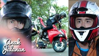 getlinkyoutube.com-Haikal Iyan kaget kalo Boy udah pake motor lagi [Anak Jalanan] [17 Nov 2015]