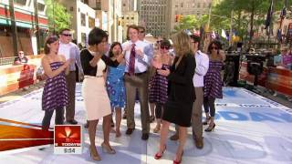 getlinkyoutube.com-TAMRON HALL dancing on today show