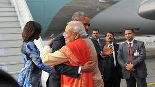 getlinkyoutube.com-US President Barack Obama In India: PM Narendra Modi Recieves Obama