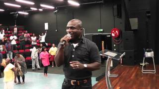 getlinkyoutube.com-Prophet Victor Kusi Boateng on vocals PCW london Branch.MTS
