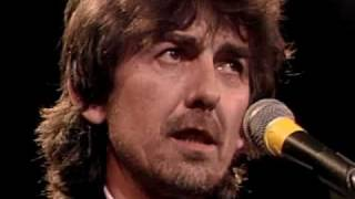 getlinkyoutube.com-Beatles accept award Rock and Roll Hall of Fame inductions 1988