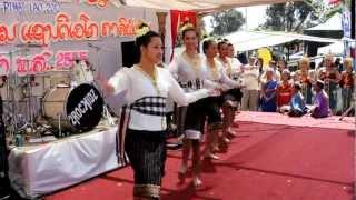 getlinkyoutube.com-Lao New Year 2012 at Wat Lao Buddharam San Diego II
