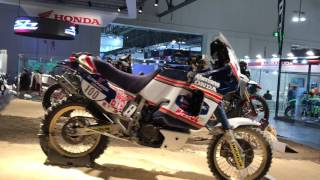 getlinkyoutube.com-Africa Twin 2017 la EICMA