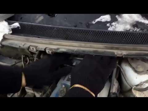Расположение в Ford Фиеста Седан аккумулятора