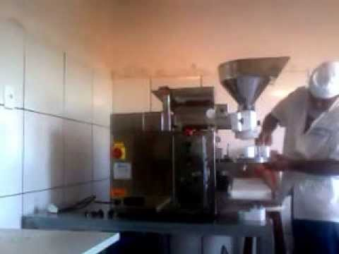 montando máquina de salgados indiana