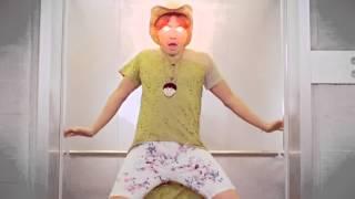 getlinkyoutube.com-Gangnam Style - Elevator Dance - Demon version (강남스타일)