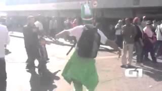 getlinkyoutube.com-مشجع جزائري يرقص في البرازيل