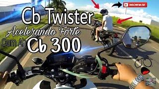 getlinkyoutube.com-Cb Twister Acelerando Forte Com A Cb 300 / Roberto Moto Filmador