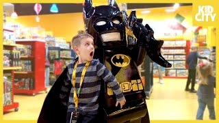 getlinkyoutube.com-Giant Lego Batman Movie Unboxing with Batman Surprise Toys | KIDCITY