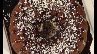 getlinkyoutube.com-كيك الشوكولاتة مع صلصة الشوكولاتة - منال العالم