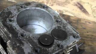 getlinkyoutube.com-How a 4 Stroke Gasoline Internal Combustion Engine Works