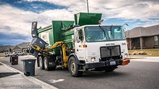 getlinkyoutube.com-Autocar ACX - McNeilus AutoReach Garbage Truck