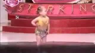 getlinkyoutube.com-اصغر طفله ترقص شرقي في العالم كله