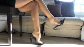 getlinkyoutube.com-great mules dangling session in sheer pantyhose