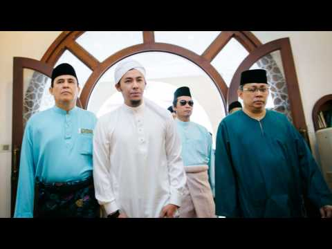Photo Slideshow: Syamsul Yusof + Puteri Sarah | The Solemnisation