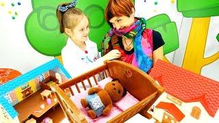 getlinkyoutube.com-Игры одевалки с Машей Капуки Кануки. Доктор для Котят Village Story. Видео игрушки. Лечим простуду