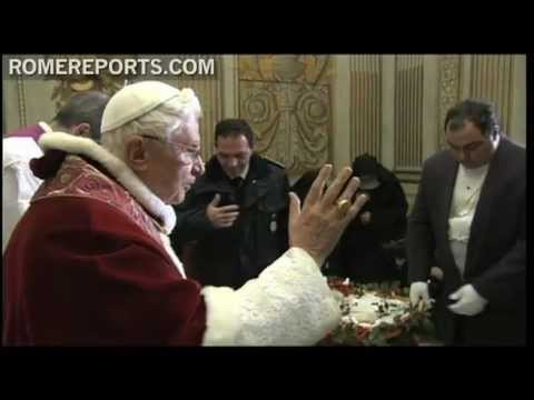 Pope welcomes two lambs that were blessed on the feast day of St  Agnes