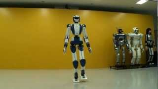 getlinkyoutube.com-World's Top3 Humanoid Robots - Asimo vs HPR-4 vs NAO!