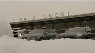 Eis und Schnee: Erneut viele in Europa Flüge gestrichen (EuroNews vom 21.01.2013)