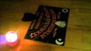 getlinkyoutube.com-Ouija Board Moving on it's Own !