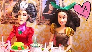 getlinkyoutube.com-Dramas de princesa con Frozen Elsa y Anna y princesas de Disney - Hans ataca Arendelle - Capítulo 6