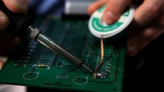 Removing Components from Circuit Board | Soldering