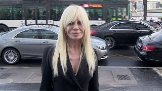 getlinkyoutube.com-EXCLUSIVE - Elodie Bouchez, Donatella Versace and more at Anthony Vaccarello Fashion Show in Paris