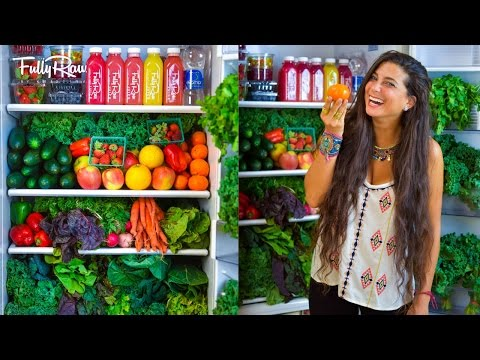WHAT'S IN MY FRIDGE?! Raw Food Winter Edition!