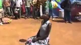 getlinkyoutube.com-افريقية تتحدى ميسي في المهارات