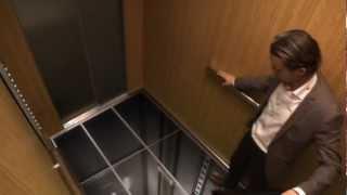 แกล้งชาวบ้านโชว์ ตอน ช่วยด้วยพื้นลิฟท์หล่น