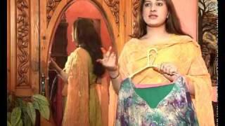 getlinkyoutube.com-Khwaja Sara's ki Eid Package.flv