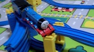 getlinkyoutube.com-プラレール きかんしゃ トーマス  ゴードン脱線  Plarail Thomas and Friens Gordon derailment