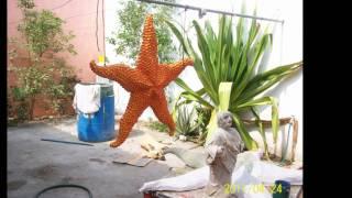 estrella de mar gigante hecha de material reciclado
