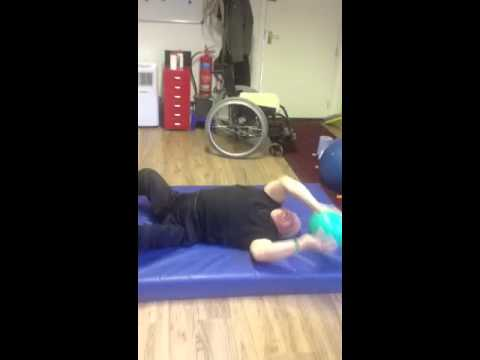 Paraplegic upper rotational 5kg med ball Training