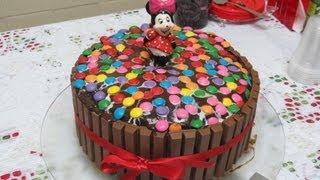 getlinkyoutube.com-Especial de aniversário: bolo de Kit Kat