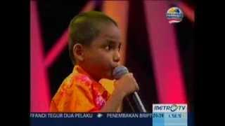 sakti anak berkebutuhan khusus yang lucu dan pandai menyanyi