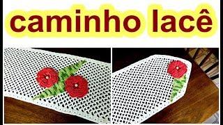 getlinkyoutube.com-CAMINHO EM CROCHE LACÊ CAMÉLIAS SOBRE A MESA