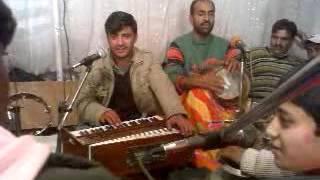 getlinkyoutube.com-Kashmiri song by Child (Zindagi Kar may Zaye Yaran)