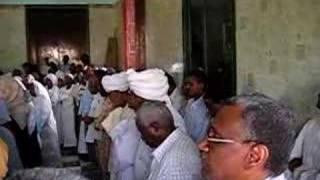 getlinkyoutube.com-زيارة الجمهوريين والجمهوريات لمقام السيد علي الميرغني 1