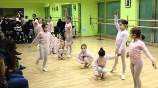 getlinkyoutube.com-Coreografia di Natale della scuola di danza Danzarte di Corato