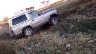 getlinkyoutube.com-Land Rover discovery vs Nissan patrol vs Suzuki vitara