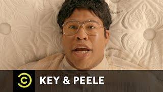getlinkyoutube.com-Key & Peele - Mattress Shopping - Uncensored