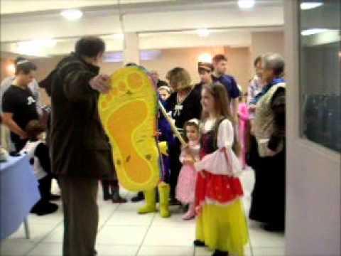 Tiferet Israel Purim 2011 - Pt 3 Pinata 2