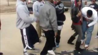getlinkyoutube.com-Black People Dancing Trival