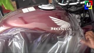 getlinkyoutube.com-Adesivando Tanque da moto em 11 minutos (novo recorde)