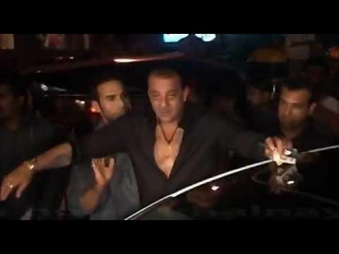 Sanjay Dutt Full Drunk Caught Abusing !!
