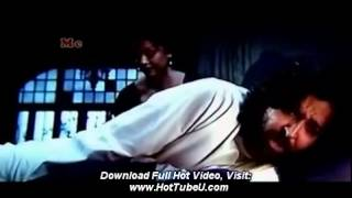Aishwarya Rai movie seen hot  sexy - Aishwarya rai boobs show in guzarish