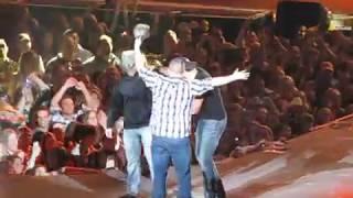 getlinkyoutube.com-Luke Bryan Country Girl (Shake it for me) 2-7-13 part 2